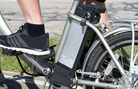 Elektrofahrräder boomen: So fahren Sie sicher!